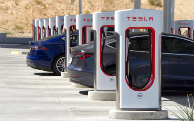 Teslas Supercharger – bald schneller Laden für alle?