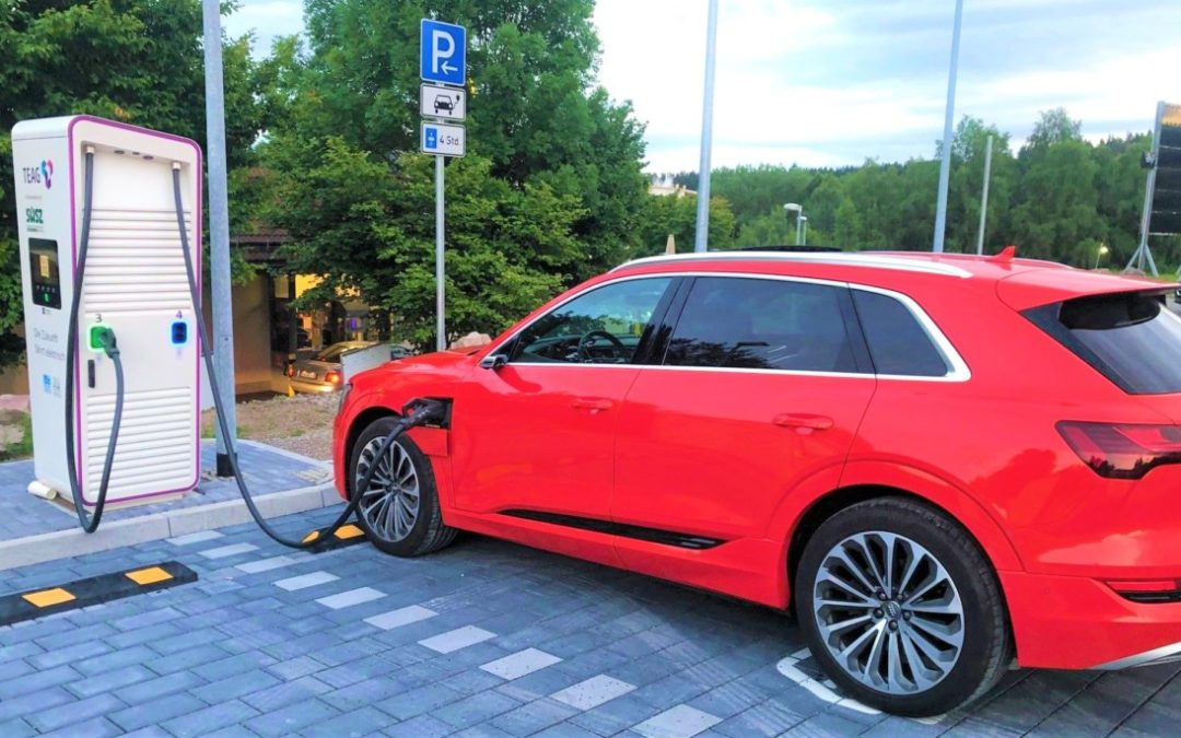 Langstrecke und HPC-Lade-Erfahrung mit dem Audi e-tron 55